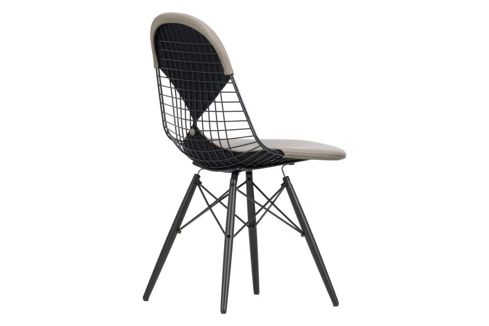 https://res.cloudinary.com/clippings/image/upload/t_big/dpr_auto,f_auto,w_auto/v1565352678/products/dkw-2-wire-dining-chair-vitra-charles-ray-eames-clippings-11282576.jpg