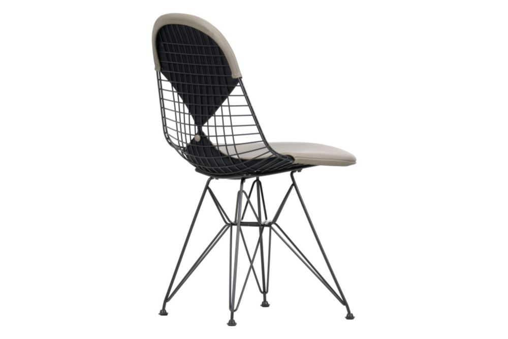 https://res.cloudinary.com/clippings/image/upload/t_big/dpr_auto,f_auto,w_auto/v1565353315/products/dkr-2-wire-dining-chair-vitra-charles-ray-eames-clippings-11282579.jpg