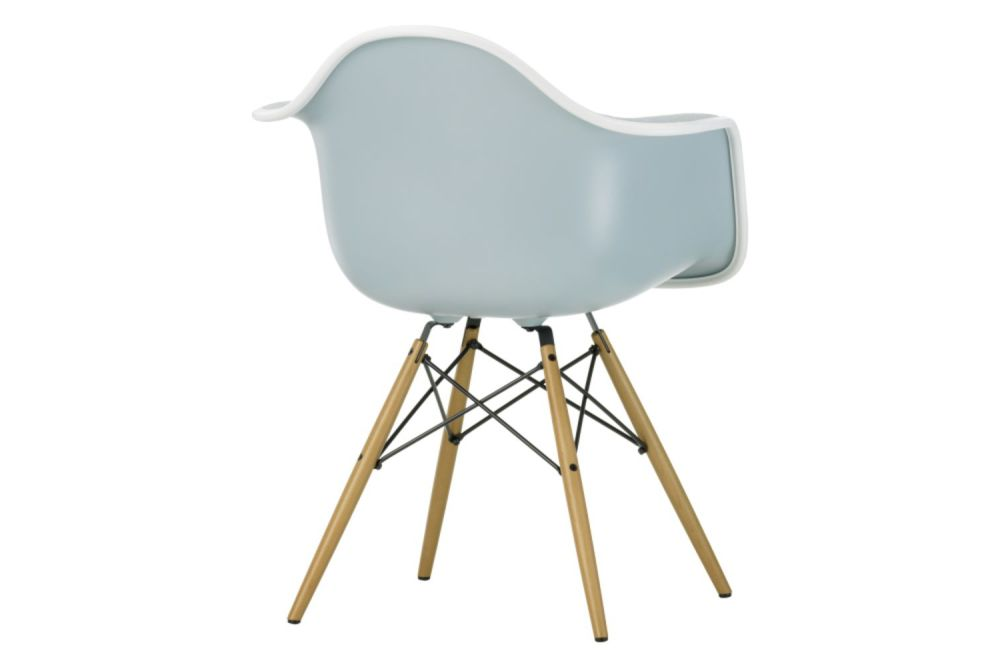 https://res.cloudinary.com/clippings/image/upload/t_big/dpr_auto,f_auto,w_auto/v1565354472/products/daw-armchair-front-upholstered-vitra-charles-ray-eames-clippings-11282617.jpg