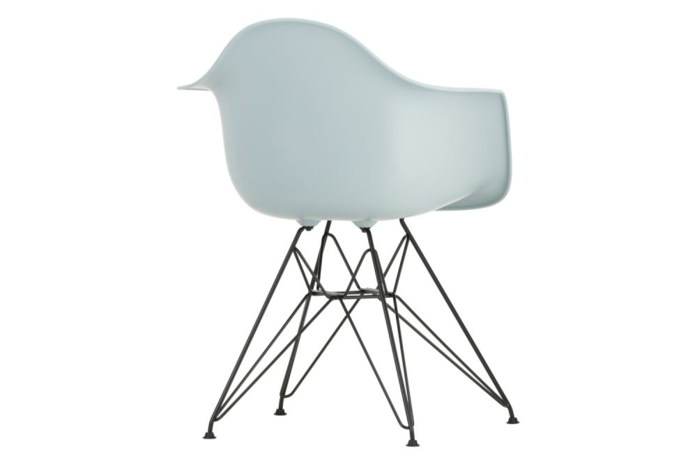 https://res.cloudinary.com/clippings/image/upload/t_big/dpr_auto,f_auto,w_auto/v1565361086/products/dar-armchair-vitra-charles-ray-eames-clippings-11282738.jpg