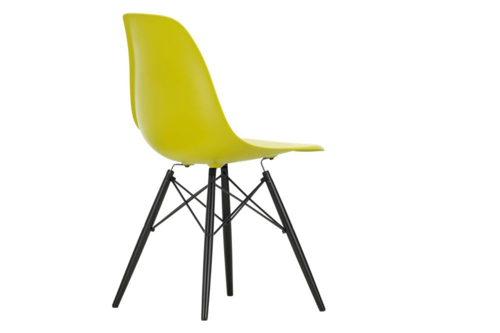 https://res.cloudinary.com/clippings/image/upload/t_big/dpr_auto,f_auto,w_auto/v1565362226/products/dsw-side-chair-vitra-charles-ray-eames-clippings-11282763.jpg