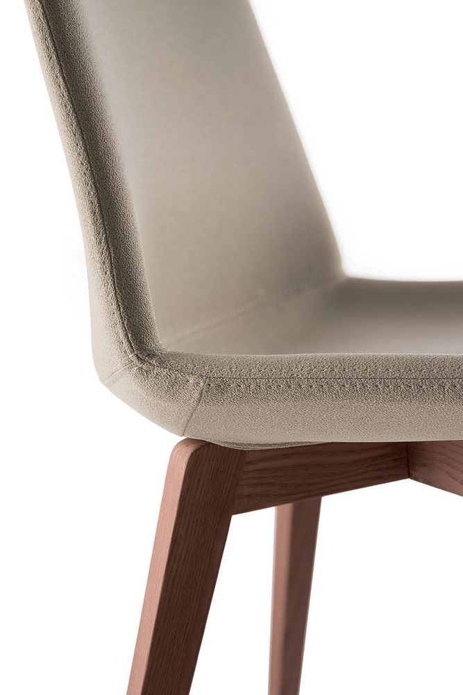 https://res.cloudinary.com/clippings/image/upload/t_big/dpr_auto,f_auto,w_auto/v1565607447/products/clue-chair-with-wooden-base-fully-upholstered-quadrifoglio-dorigo-design-clippings-11283004.jpg
