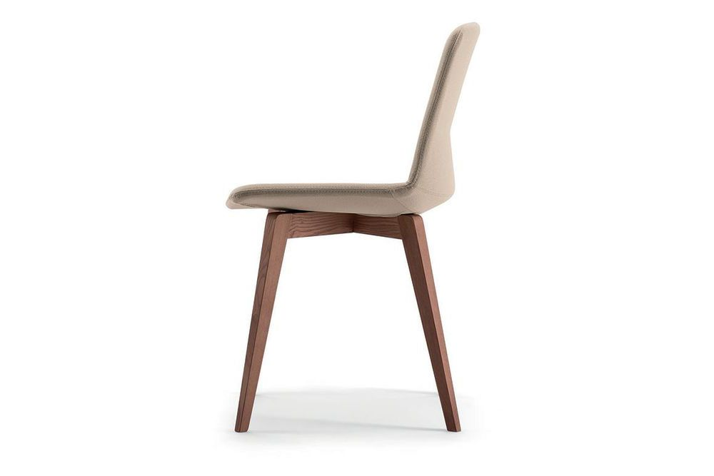 https://res.cloudinary.com/clippings/image/upload/t_big/dpr_auto,f_auto,w_auto/v1566200894/products/clue-chair-with-wooden-base-fully-upholstered-pricegrp-b01-natural-varnished-solid-ash-wood-quadrifoglio-dorigo-design-clippings-11277638.jpg