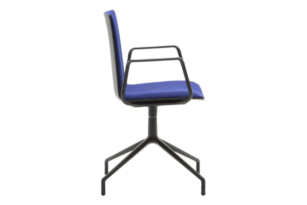 https://res.cloudinary.com/clippings/image/upload/t_big/dpr_auto,f_auto,w_auto/v1566214135/products/flex-corporate-4-star-swivel-base-armchair-with-upholstered-shell-pad-andreu-world-piergiorgio-cazzaniga-clippings-11285882.jpg