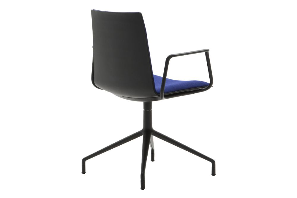 https://res.cloudinary.com/clippings/image/upload/t_big/dpr_auto,f_auto,w_auto/v1566214193/products/flex-corporate-4-star-swivel-base-armchair-with-upholstered-shell-pad-andreu-world-piergiorgio-cazzaniga-clippings-11285884.jpg