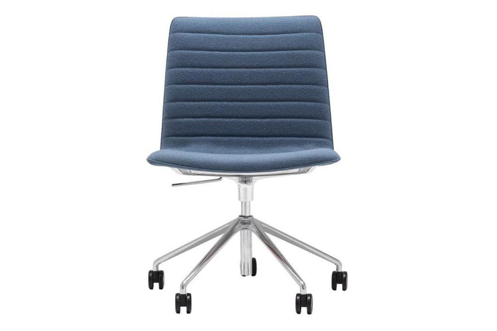 https://res.cloudinary.com/clippings/image/upload/t_big/dpr_auto,f_auto,w_auto/v1566222473/products/flex-corporate-5-star-swivel-base-chair-with-fully-upholstered-seat-andreu-world-jacquard-one-polished-aluminium-andreu-world-piergiorgio-cazzaniga-clippings-11285945.jpg