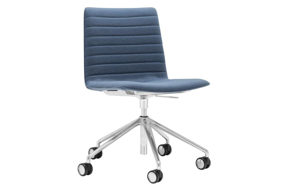 https://res.cloudinary.com/clippings/image/upload/t_big/dpr_auto,f_auto,w_auto/v1566222475/products/flex-corporate-5-star-swivel-base-chair-with-fully-upholstered-seat-andreu-world-piergiorgio-cazzaniga-clippings-11285949.jpg
