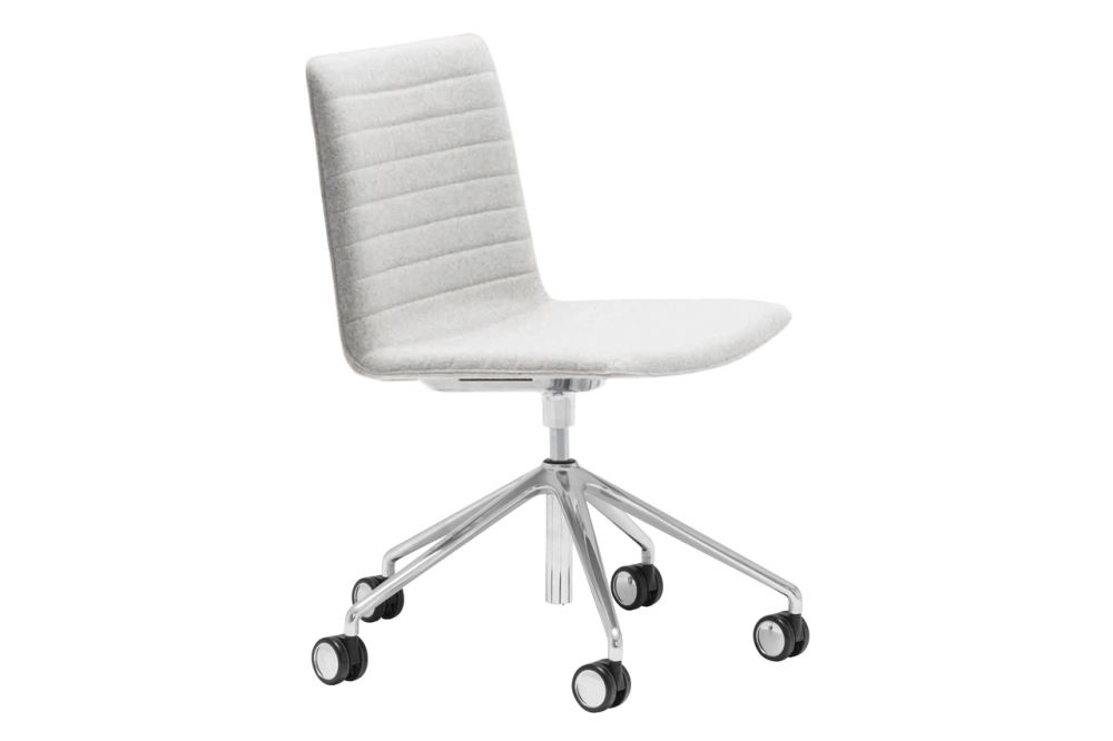 https://res.cloudinary.com/clippings/image/upload/t_big/dpr_auto,f_auto,w_auto/v1566222506/products/flex-corporate-5-star-swivel-base-chair-with-fully-upholstered-seat-andreu-world-piergiorgio-cazzaniga-clippings-11285952.jpg