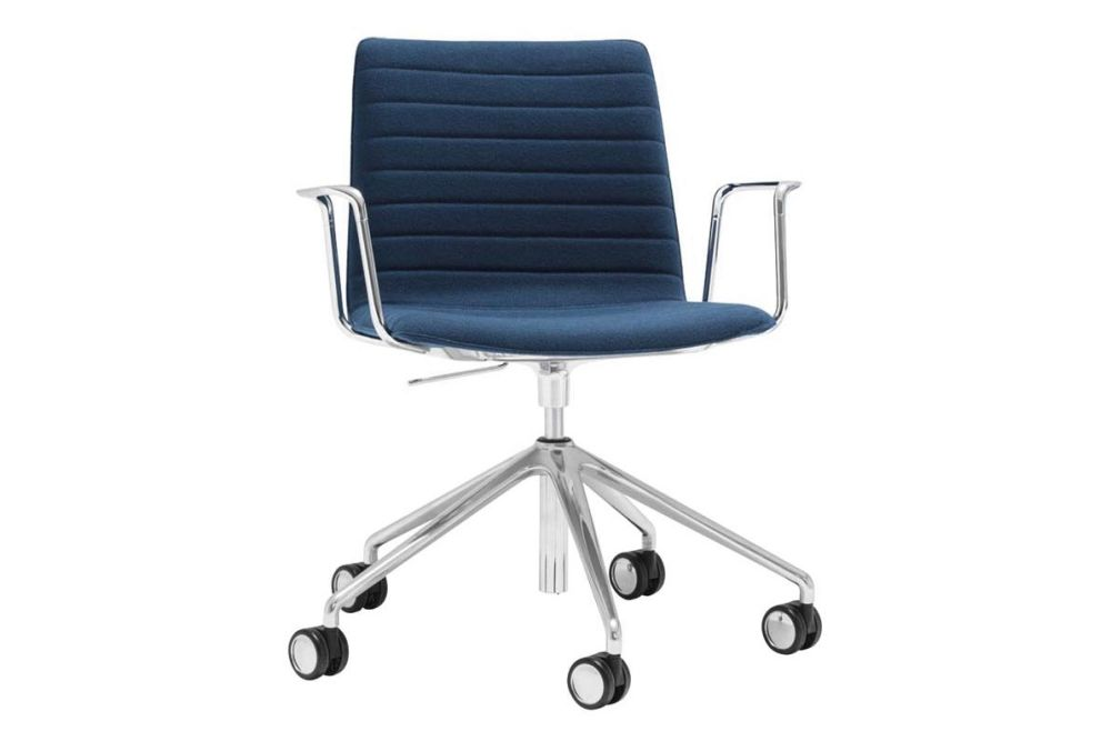 https://res.cloudinary.com/clippings/image/upload/t_big/dpr_auto,f_auto,w_auto/v1566222925/products/flex-corporate-5-star-swivel-base-armchair-with-fully-upholstered-seat-andreu-world-jacquard-one-polished-aluminium-andreu-world-piergiorgio-cazzaniga-clippings-11285947.jpg