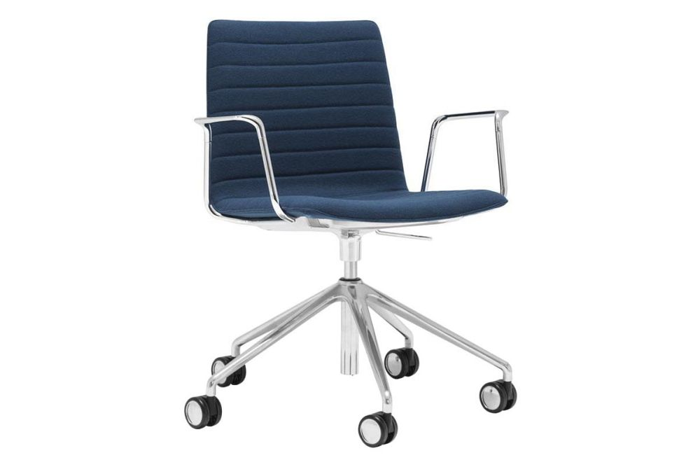 https://res.cloudinary.com/clippings/image/upload/t_big/dpr_auto,f_auto,w_auto/v1566222936/products/flex-corporate-5-star-swivel-base-armchair-with-fully-upholstered-seat-andreu-world-piergiorgio-cazzaniga-clippings-11285958.jpg