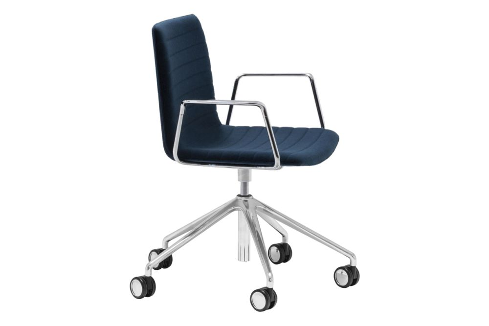 https://res.cloudinary.com/clippings/image/upload/t_big/dpr_auto,f_auto,w_auto/v1566222949/products/flex-corporate-5-star-swivel-base-armchair-with-fully-upholstered-seat-andreu-world-piergiorgio-cazzaniga-clippings-11285960.jpg