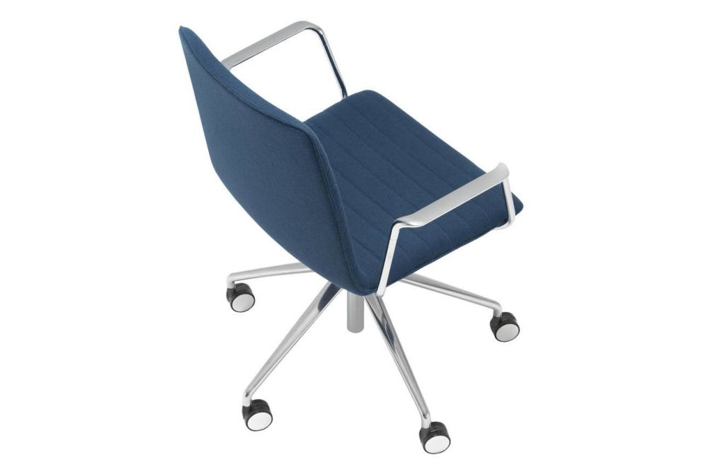 https://res.cloudinary.com/clippings/image/upload/t_big/dpr_auto,f_auto,w_auto/v1566222949/products/flex-corporate-5-star-swivel-base-armchair-with-fully-upholstered-seat-andreu-world-piergiorgio-cazzaniga-clippings-11285961.jpg