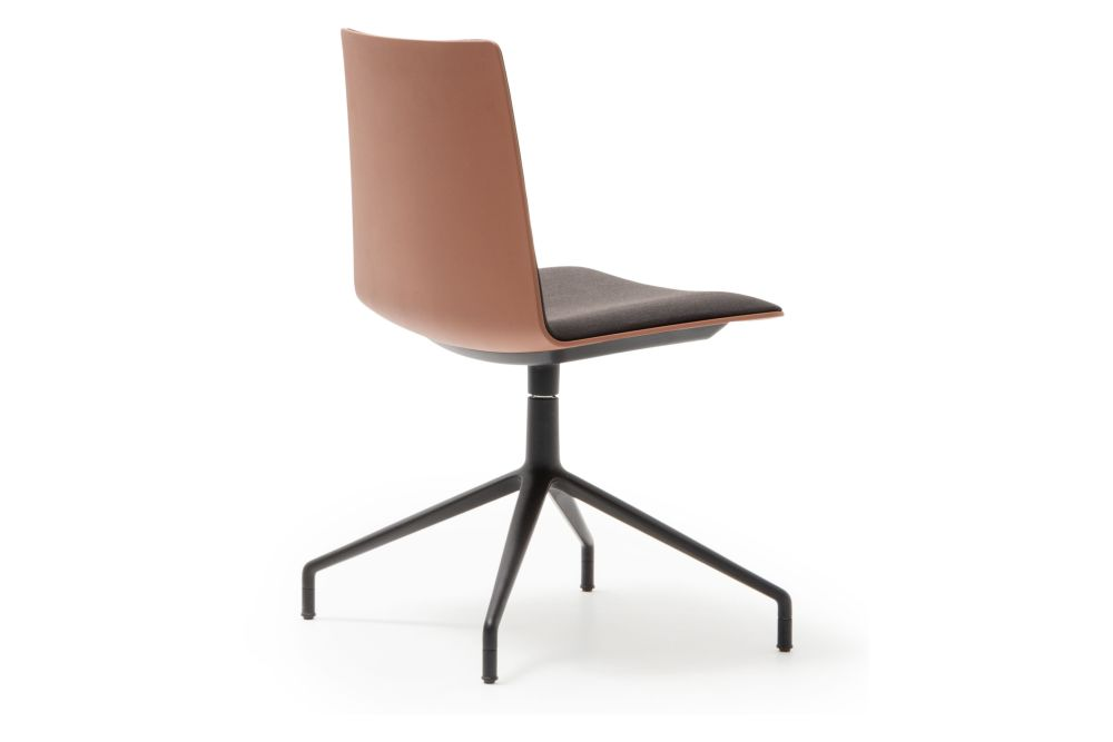 https://res.cloudinary.com/clippings/image/upload/t_big/dpr_auto,f_auto,w_auto/v1566285568/products/flex-corporate-4-star-swivel-base-chair-with-fully-upholstered-seat-andreu-world-piergiorgio-cazzaniga-clippings-11286093.jpg