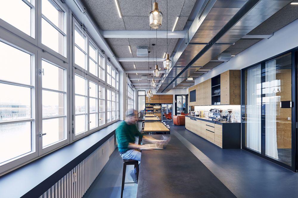 Industrial 15/16P (anthracite) interior
