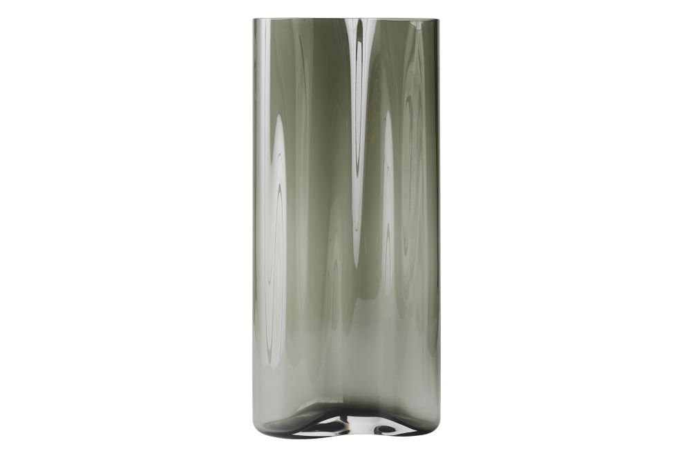 https://res.cloudinary.com/clippings/image/upload/t_big/dpr_auto,f_auto,w_auto/v1566574590/products/aer-smoke-vase-menu-gabriel-tan-clippings-11287840.jpg