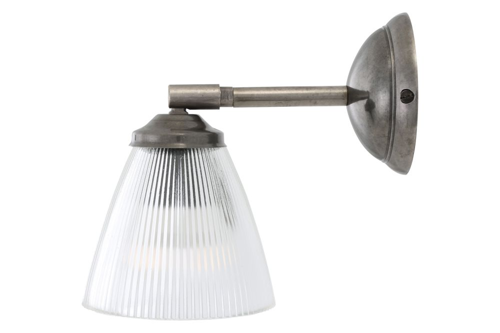 https://res.cloudinary.com/clippings/image/upload/t_big/dpr_auto,f_auto,w_auto/v1566978868/products/gadar-wall-light-mullan-lighting-clippings-11288873.jpg