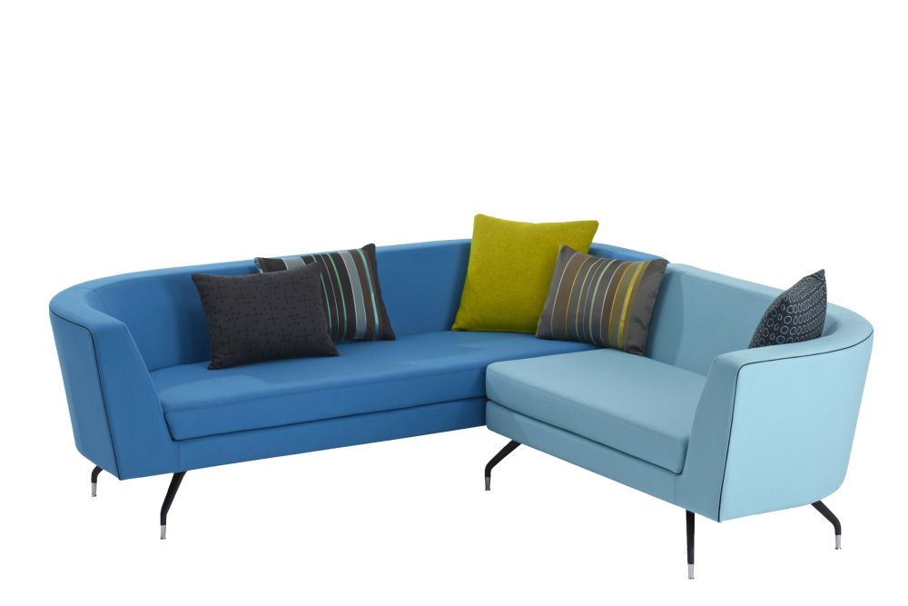 https://res.cloudinary.com/clippings/image/upload/t_big/dpr_auto,f_auto,w_auto/v1566985765/products/cwtch-3-seater-lounge-sofa-with-curve-arms-orangebox-clippings-11289011.jpg