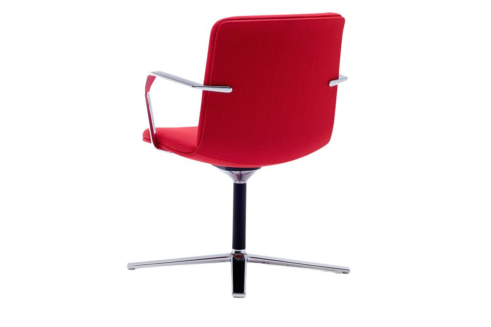 https://res.cloudinary.com/clippings/image/upload/t_big/dpr_auto,f_auto,w_auto/v1567148193/products/calder-4-star-swivel-base-chair-with-arms-orangebox-clippings-11292721.jpg