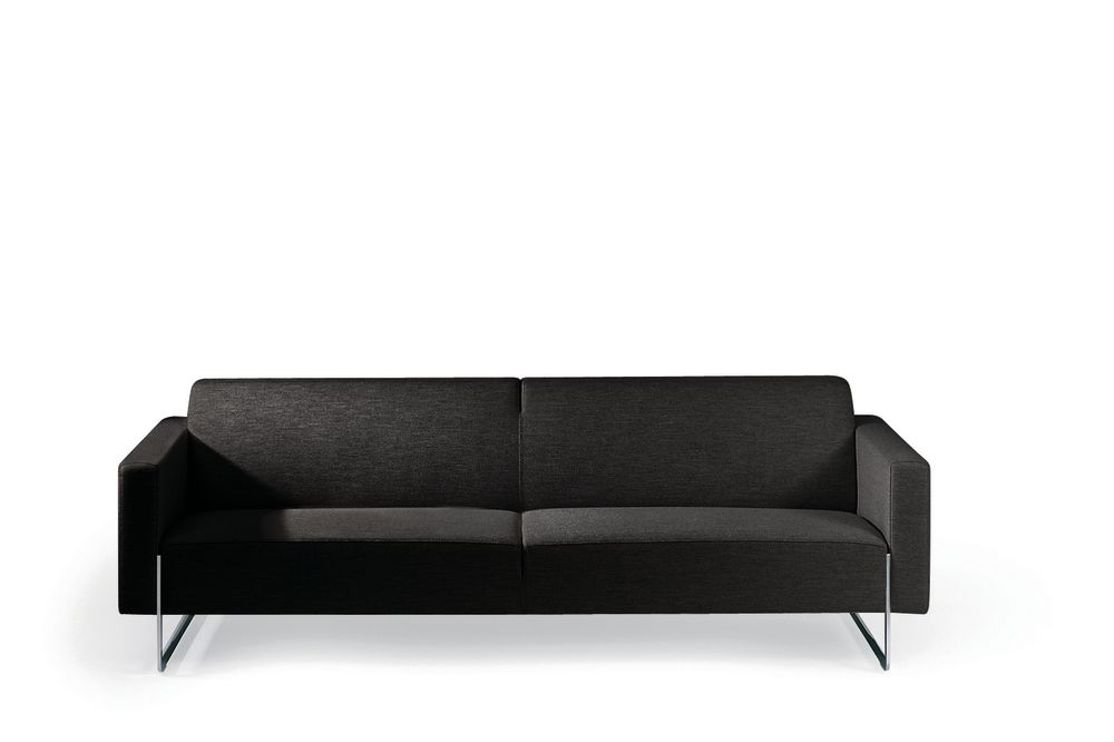 https://res.cloudinary.com/clippings/image/upload/t_big/dpr_auto,f_auto,w_auto/v1568265394/products/mare-fixed-cusion-3-seater-sofa-artifort-ren%C3%A9-holten-clippings-11300365.jpg