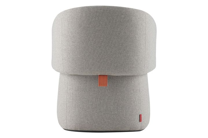 https://res.cloudinary.com/clippings/image/upload/t_big/dpr_auto,f_auto,w_auto/v1568628556/products/openest-chick-pouf-small-square-with-backrest-haworth-patricia-urquiola-clippings-11301560.jpg