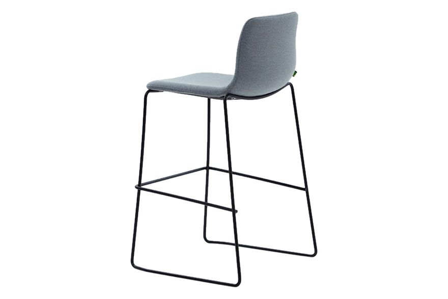 https://res.cloudinary.com/clippings/image/upload/t_big/dpr_auto,f_auto,w_auto/v1568629084/products/viv-barstool-with-sled-base-naughtone-naughtone-clippings-11300538.jpg