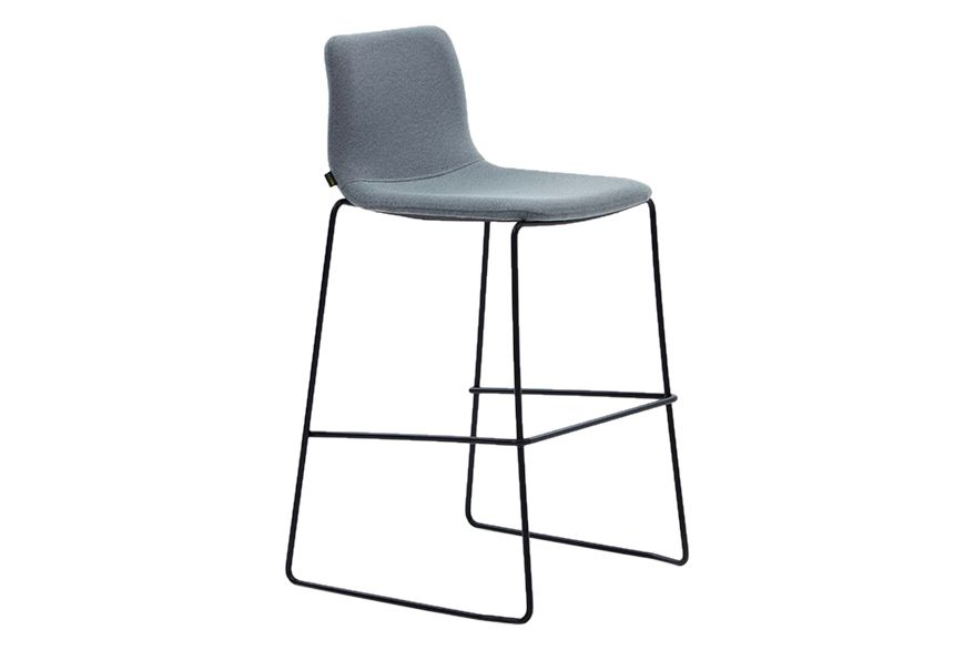https://res.cloudinary.com/clippings/image/upload/t_big/dpr_auto,f_auto,w_auto/v1568629087/products/viv-barstool-with-sled-base-naughtone-naughtone-clippings-11301581.jpg