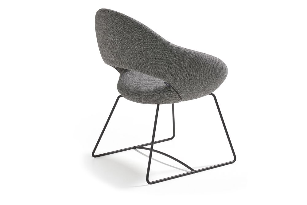 https://res.cloudinary.com/clippings/image/upload/t_big/dpr_auto,f_auto,w_auto/v1568801014/products/shark-sled-base-chair-artifort-ren%C3%A9-holten-clippings-11302363.jpg