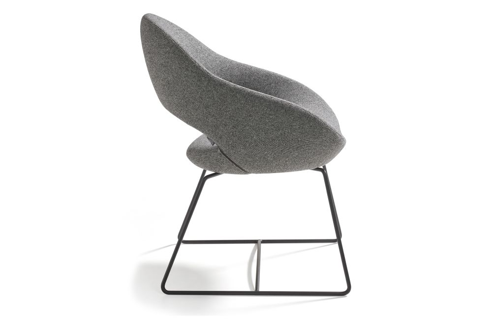 https://res.cloudinary.com/clippings/image/upload/t_big/dpr_auto,f_auto,w_auto/v1568801045/products/shark-sled-base-chair-artifort-ren%C3%A9-holten-clippings-11302364.jpg