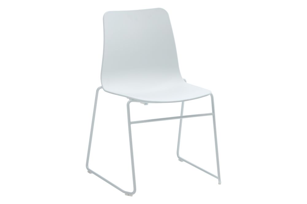 https://res.cloudinary.com/clippings/image/upload/t_big/dpr_auto,f_auto,w_auto/v1568802832/products/polly-chair-with-sled-base-naughtone-clippings-11302407.jpg