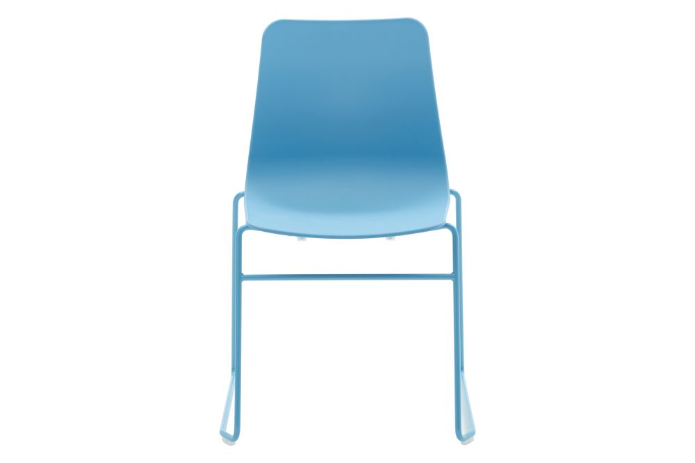 https://res.cloudinary.com/clippings/image/upload/t_big/dpr_auto,f_auto,w_auto/v1568802841/products/polly-chair-with-sled-base-naughtone-clippings-11302416.jpg