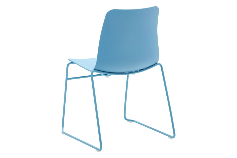 https://res.cloudinary.com/clippings/image/upload/t_big/dpr_auto,f_auto,w_auto/v1568802843/products/polly-chair-with-sled-base-naughtone-clippings-11302418.jpg