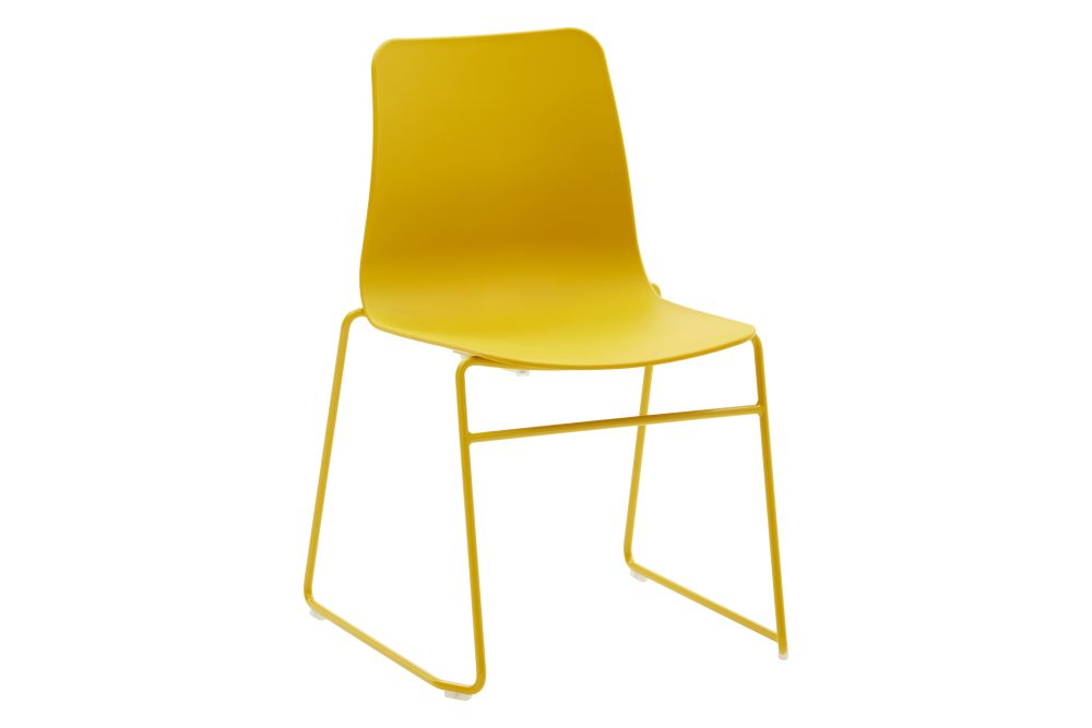 https://res.cloudinary.com/clippings/image/upload/t_big/dpr_auto,f_auto,w_auto/v1568802853/products/polly-chair-with-sled-base-naughtone-clippings-11302426.jpg