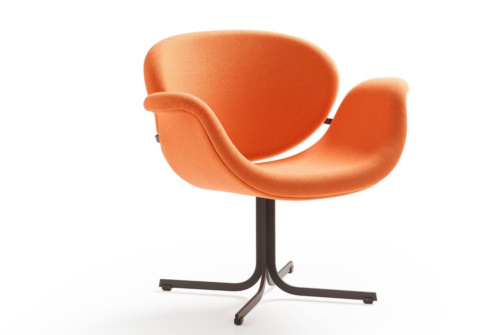 https://res.cloudinary.com/clippings/image/upload/t_big/dpr_auto,f_auto,w_auto/v1568882755/products/tulip-midi-cross-base-armchair-artifort-pierre-paulin-clippings-11302649.jpg