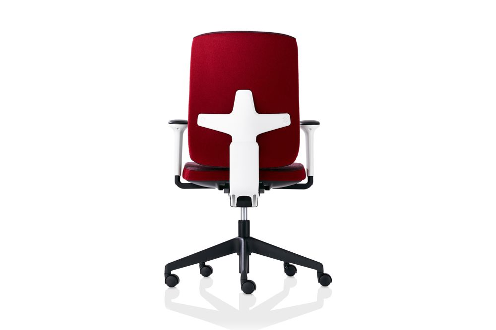 https://res.cloudinary.com/clippings/image/upload/t_big/dpr_auto,f_auto,w_auto/v1569335265/products/seren-5-star-swivel-base-armchair-and-castors-orangebox-clippings-11303781.jpg