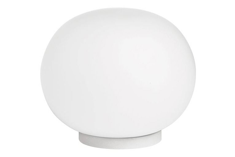 https://res.cloudinary.com/clippings/image/upload/t_big/dpr_auto,f_auto,w_auto/v1570436189/products/mini-glo-ball-table-lamp-flos-jasper-morrison-clippings-11313462.jpg