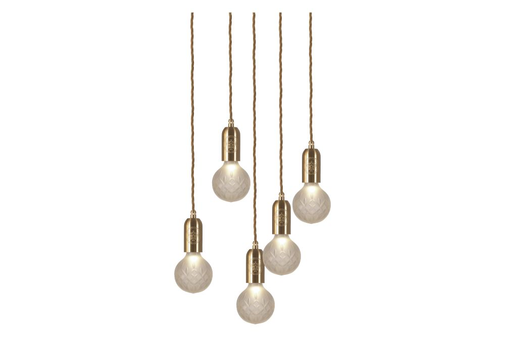 https://res.cloudinary.com/clippings/image/upload/t_big/dpr_auto,f_auto,w_auto/v1570447374/products/crystal-5-bulb-chandelier-lee-broom-clippings-11313563.jpg