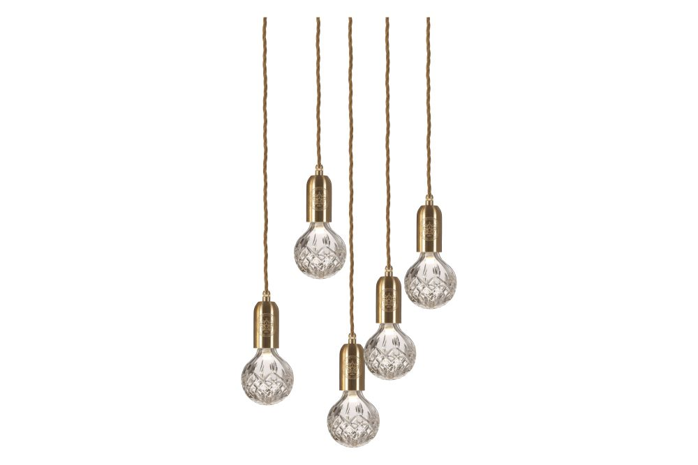 https://res.cloudinary.com/clippings/image/upload/t_big/dpr_auto,f_auto,w_auto/v1570447376/products/crystal-5-bulb-chandelier-lee-broom-clippings-11313564.jpg
