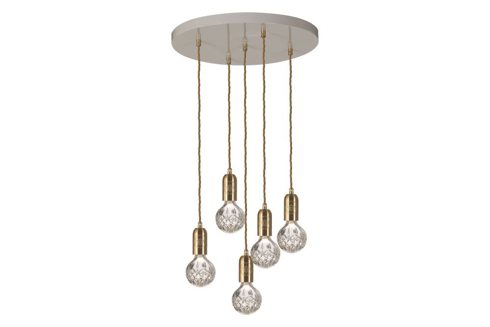 https://res.cloudinary.com/clippings/image/upload/t_big/dpr_auto,f_auto,w_auto/v1570447389/products/crystal-5-bulb-chandelier-lee-broom-clippings-11313566.jpg