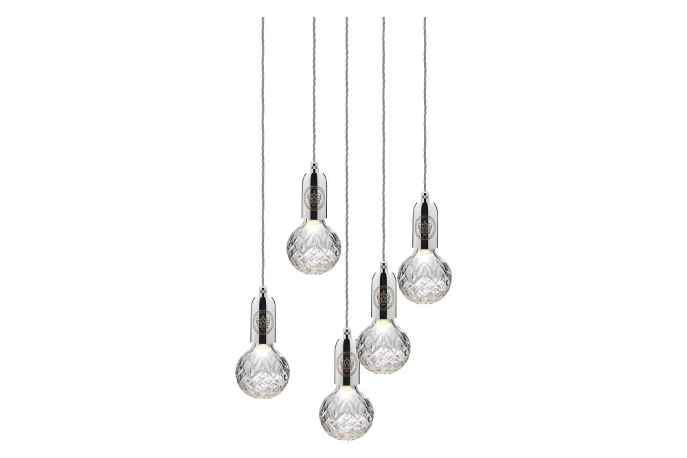 https://res.cloudinary.com/clippings/image/upload/t_big/dpr_auto,f_auto,w_auto/v1570509990/products/crystal-5-bulb-chandelier-lee-broom-clippings-11313764.jpg