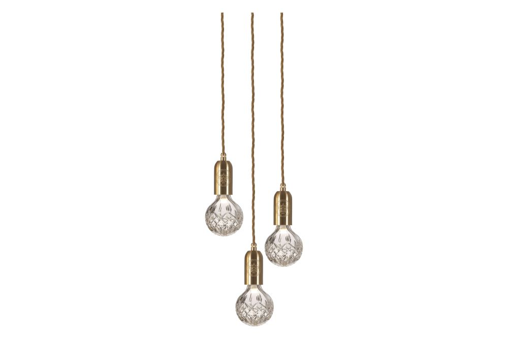 https://res.cloudinary.com/clippings/image/upload/t_big/dpr_auto,f_auto,w_auto/v1570521546/products/clear-crystal-3-bulb-chandelier-lee-broom-clippings-11313837.jpg