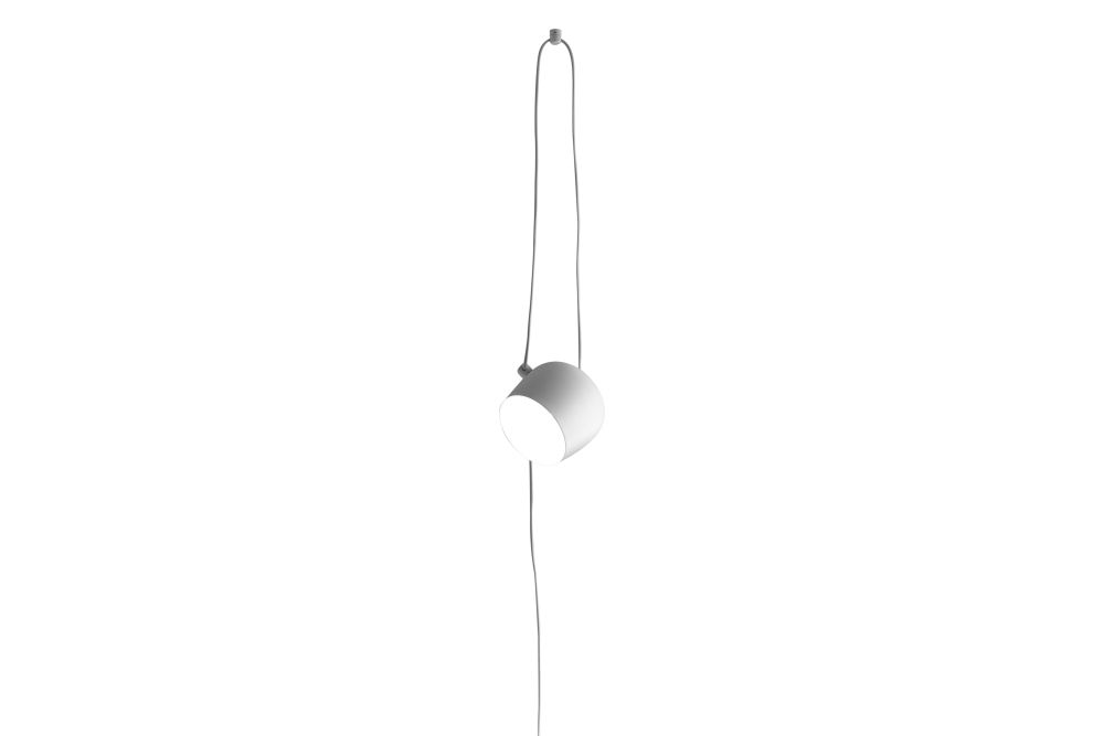 https://res.cloudinary.com/clippings/image/upload/t_big/dpr_auto,f_auto,w_auto/v1570538524/products/aim-cable-plug-pendant-light-flos-ronan-erwan-bouroullec-clippings-11314030.jpg