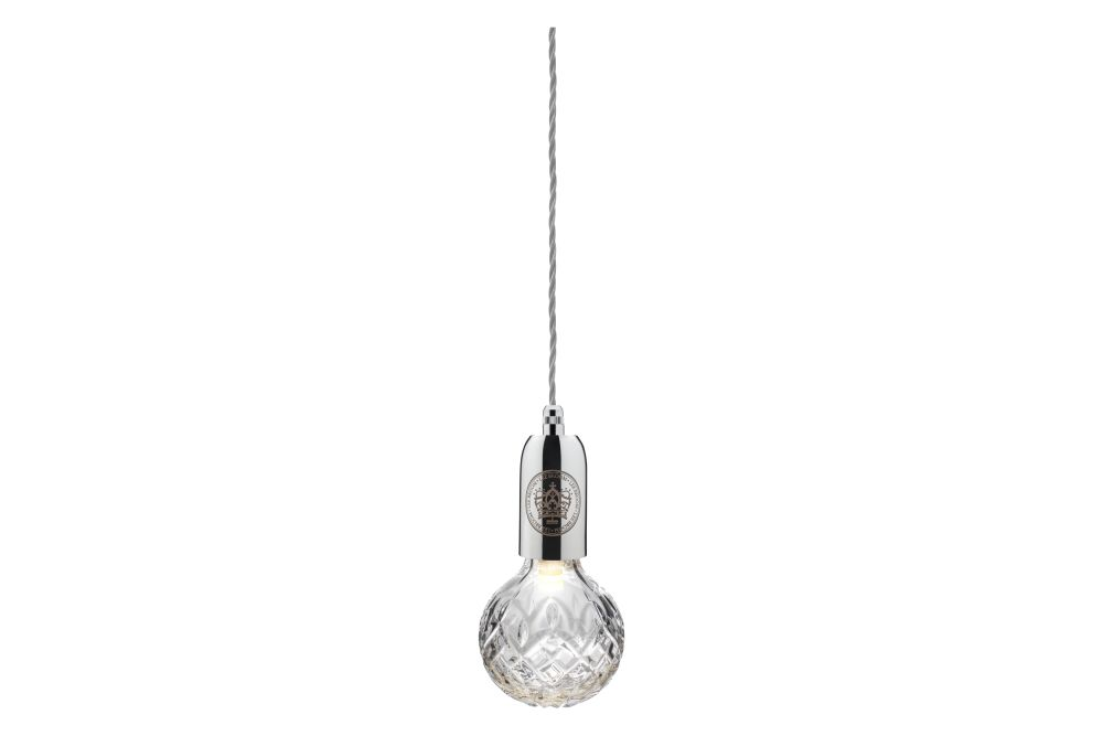 https://res.cloudinary.com/clippings/image/upload/t_big/dpr_auto,f_auto,w_auto/v1570603654/products/crystal-bulb-pendant-light-lee-broom-clippings-11314270.jpg