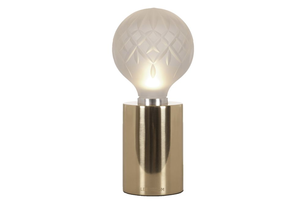 https://res.cloudinary.com/clippings/image/upload/t_big/dpr_auto,f_auto,w_auto/v1570608647/products/crystal-bulb-table-lamp-frosted-lee-broom-clippings-11314305.jpg