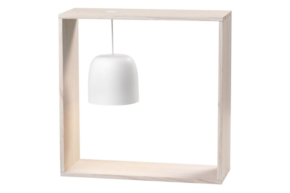 https://res.cloudinary.com/clippings/image/upload/t_big/dpr_auto,f_auto,w_auto/v1570698925/products/gaku-wire-table-lamp-flos-nendo-clippings-11314866.jpg