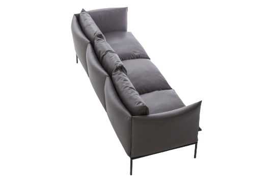 https://res.cloudinary.com/clippings/image/upload/t_big/dpr_auto,f_auto,w_auto/v1571311101/products/gentry-extra-light-sofa-3-seater-moroso-patricia-urquiola-clippings-10330751.png