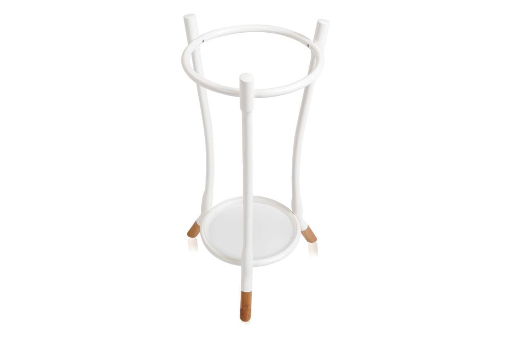 https://res.cloudinary.com/clippings/image/upload/t_big/dpr_auto,f_auto,w_auto/v1571396101/products/cloud-umbrella-stand-wiener-gtv-design-clippings-11317486.jpg