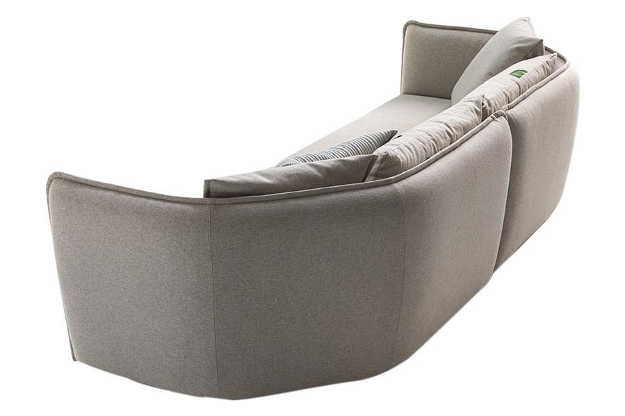https://res.cloudinary.com/clippings/image/upload/t_big/dpr_auto,f_auto,w_auto/v1571640693/products/chamfer-3-seater-sofa-moroso-patricia-urquiola-clippings-10332671.jpg