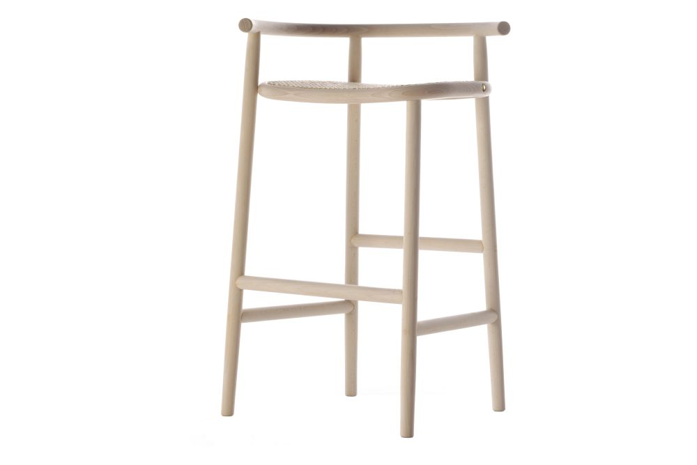 https://res.cloudinary.com/clippings/image/upload/t_big/dpr_auto,f_auto,w_auto/v1571823803/products/single-curve-barstool-wiener-gtv-design-nendo-clippings-11318858.jpg