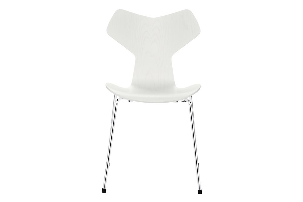https://res.cloudinary.com/clippings/image/upload/t_big/dpr_auto,f_auto,w_auto/v1572338802/products/grand-prix-stackable-dining-chair-coloured-ash-white-105-fritz-hansen-arne-jacobsen-clippings-8865341.jpg