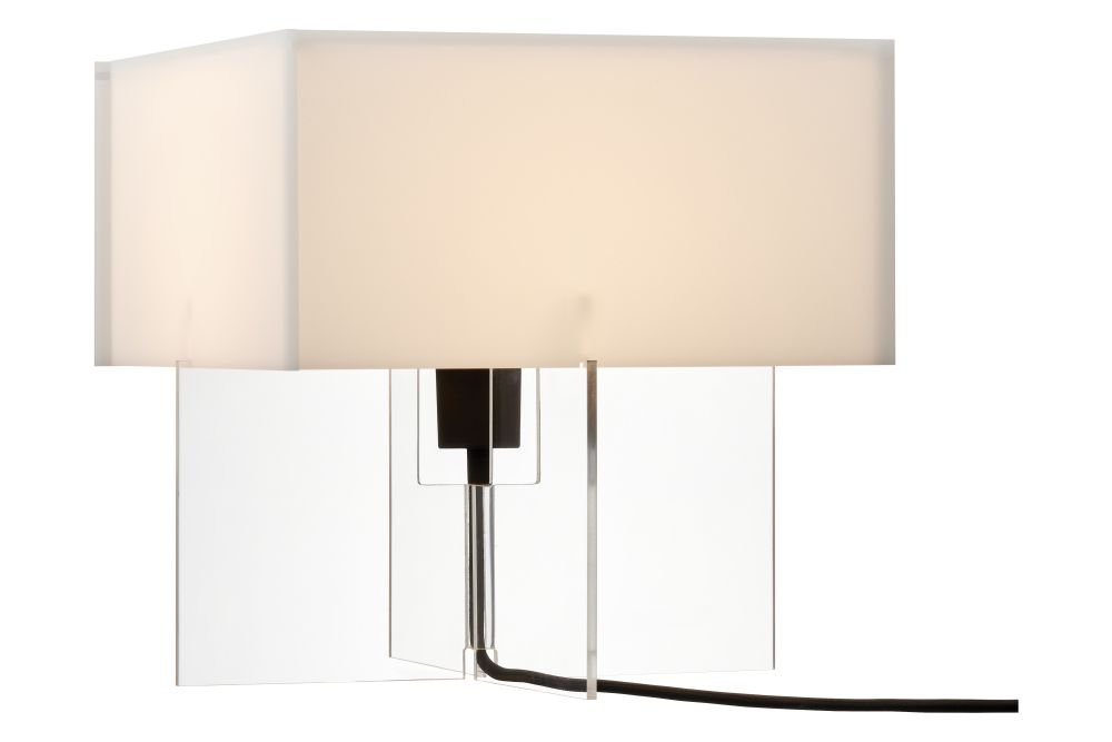 https://res.cloudinary.com/clippings/image/upload/t_big/dpr_auto,f_auto,w_auto/v1572359886/products/cross-plex-table-lamp-40-x-40-x-30-fritz-hansen-bodil-kj%C3%A6r-clippings-11109928.jpg